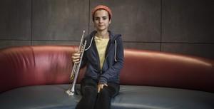"""Andrea Motis: """"Molta gent descobreix que li agrada el jazz a través nostre"""""""