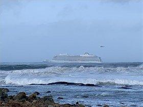 L'espectacular evacuació de 1.300 persones en un creuer a la deriva a Noruega | Vídeo