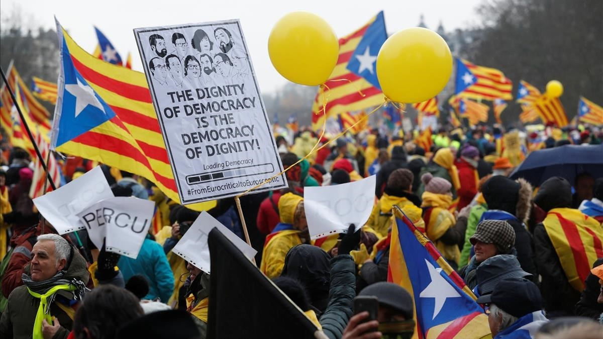 Inicio de la manifestación de la ANC y Òmniumen Bruselas, este jueves.