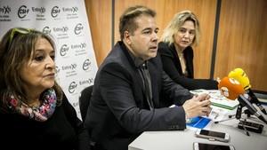 Maite Domínguez, Ferran Barri y Cristina Castelló, en la presentación del estudio del CSIF.