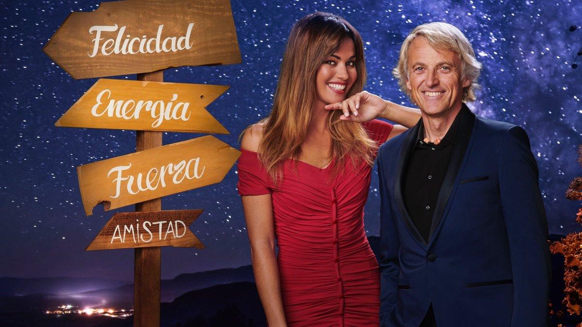 Jesús Calleja y Lara Álvarez, presentadores de las Campanadas de Mediaset.