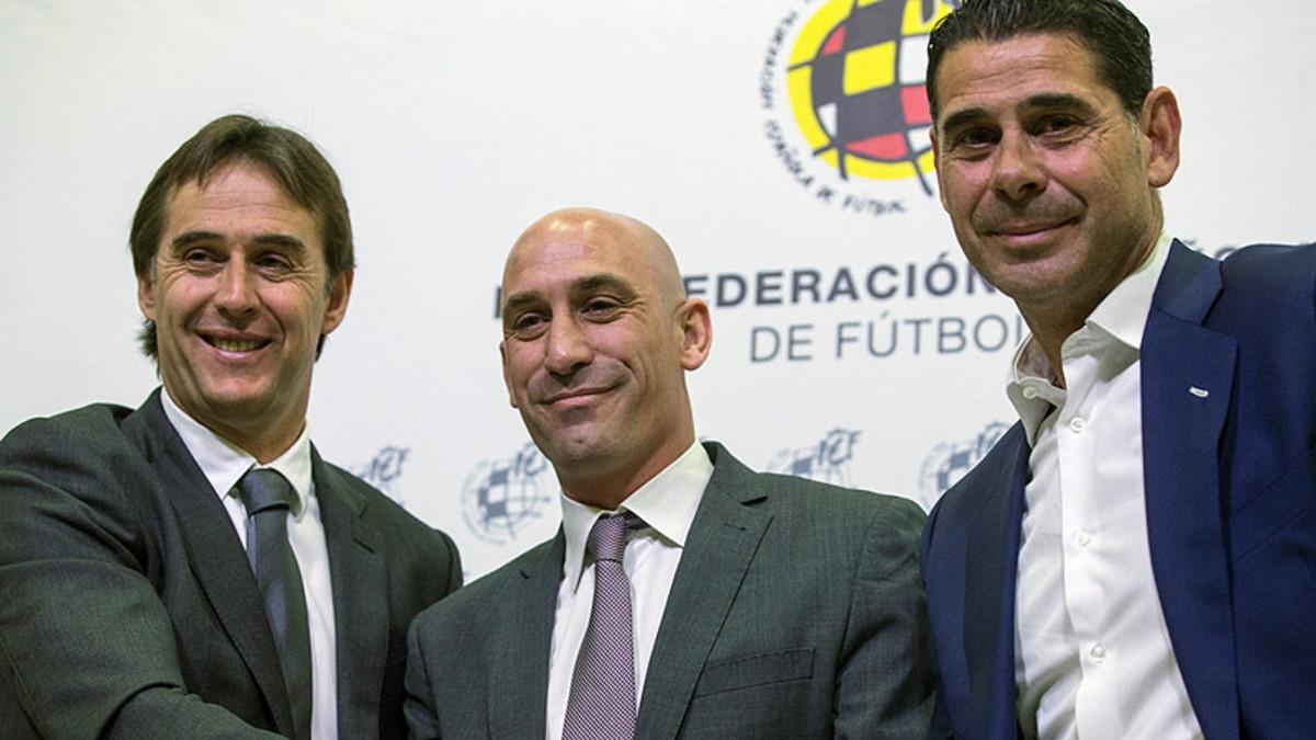 Julen Lopetegui, Rubiales y Fernando Hierro, el día del anuncio de la renovación del técnico vasco como seleccionador de España, el pasado 22 de mayo.