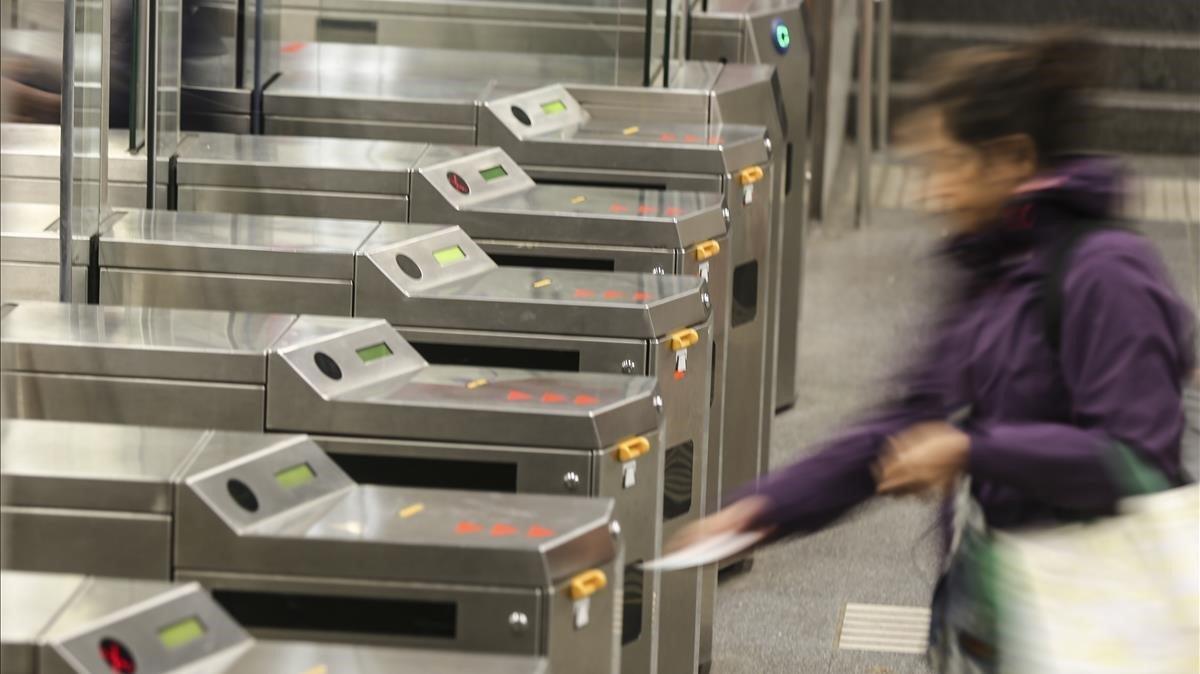 Las tarifas de transporte en el área metropolitana de Barcelona permanecerán congeladas como mínimo un año.