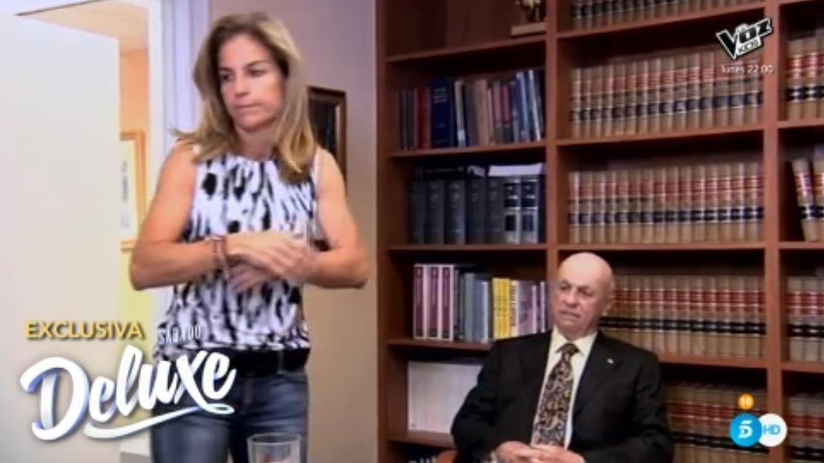 Arantxa Sánchez Vicario y su abogado, en 'Salvame Deluxe'.