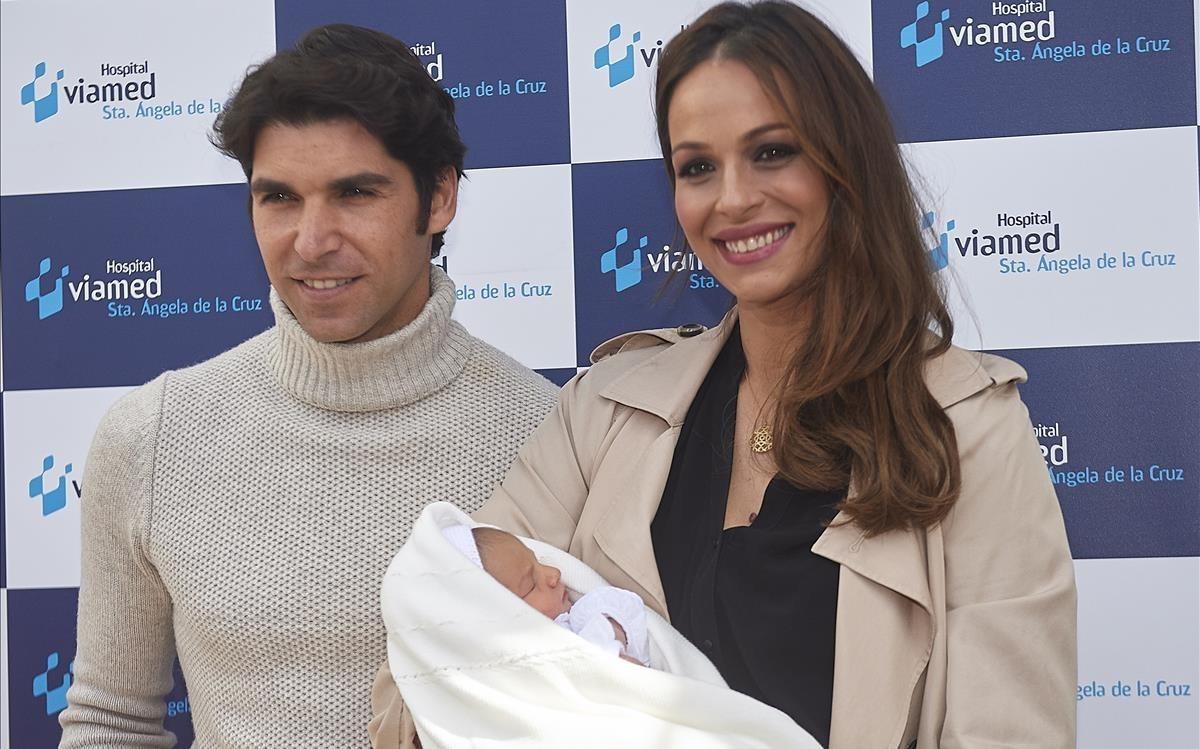 Eva González i Cayetano Rivera presenten el seu fill