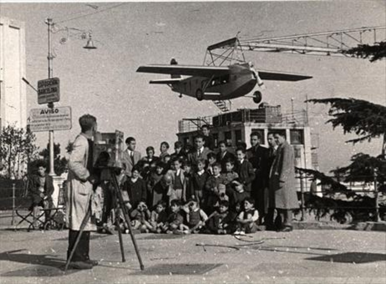 Los primeros tiempos del avión del Tibidabo.