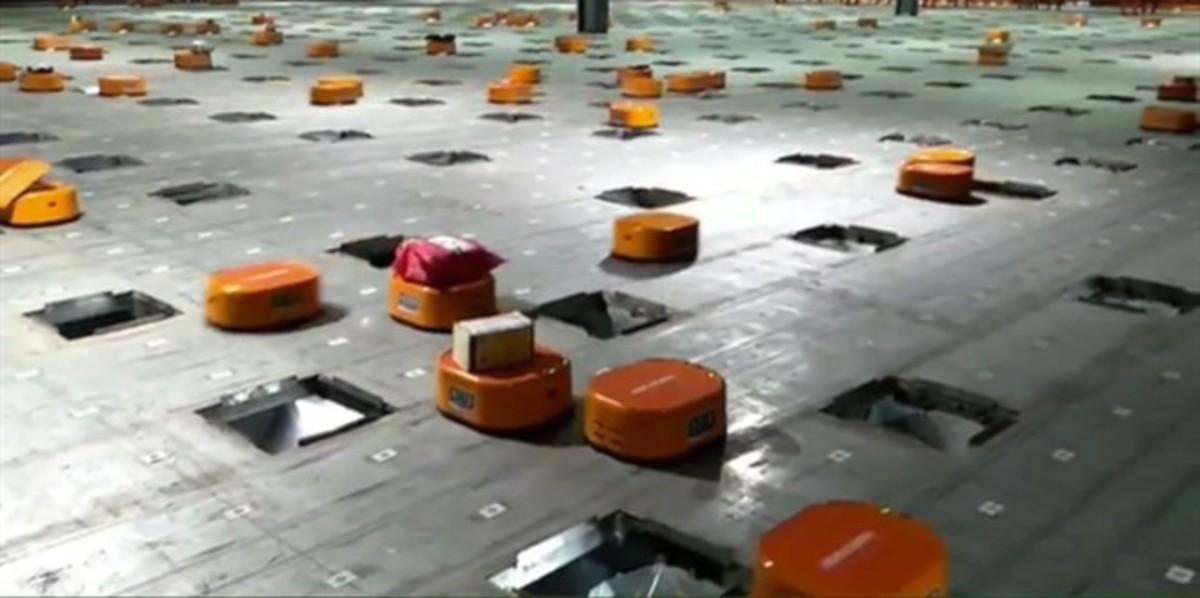Los robots repartidores de STO Express.