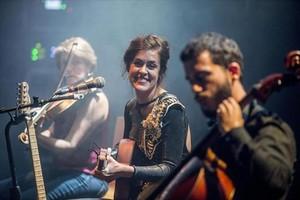 Maika Makovski, en el festival Altaveu, el viernes.