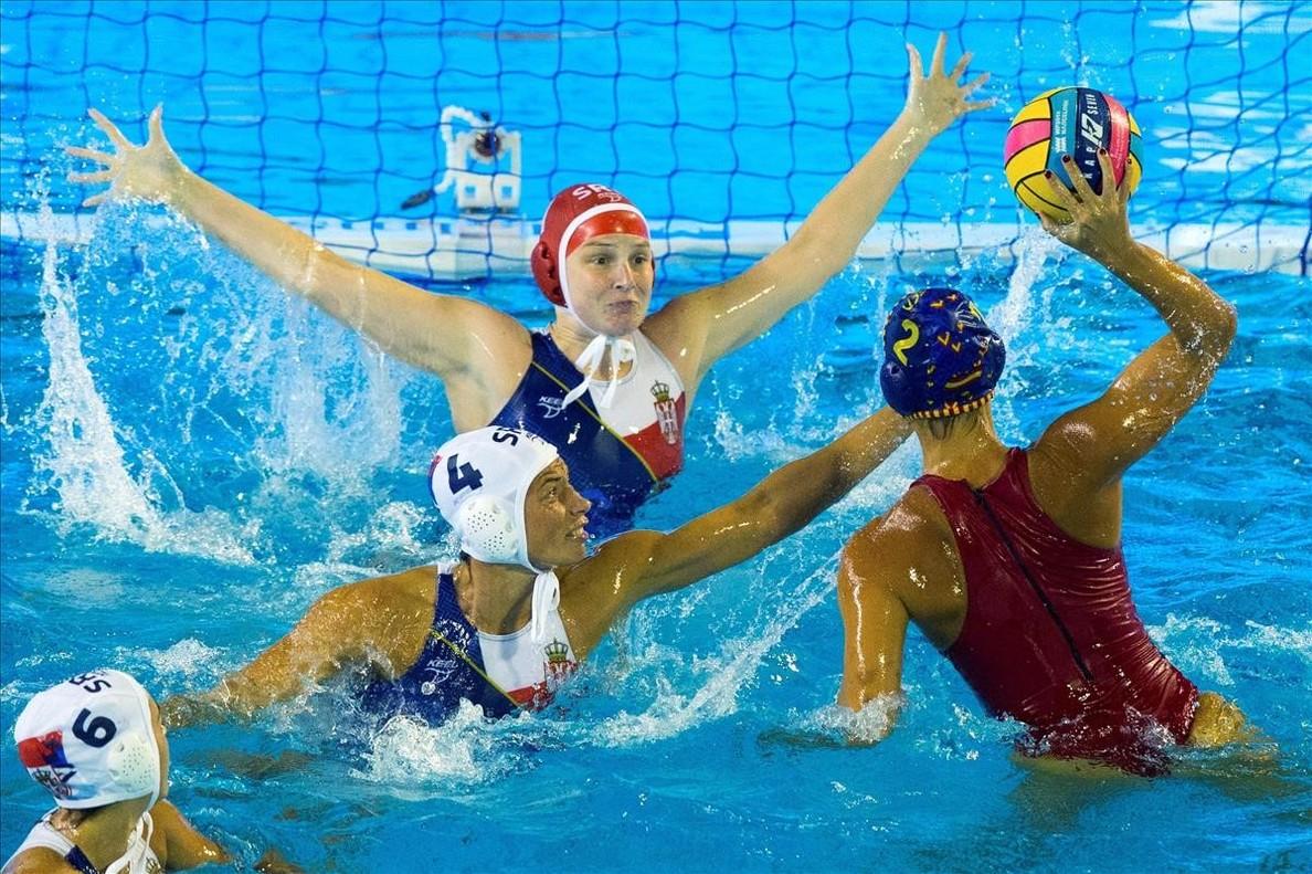 Marta Bach en el partido ante Serbia