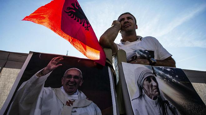 El Papa canoniza a la Madre Teresa de Calcuta.