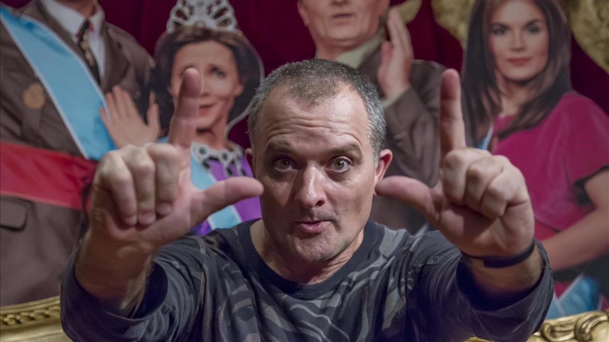 Toni Albà carrega contra la direcció de TV-3 per un gag d''Està passant'