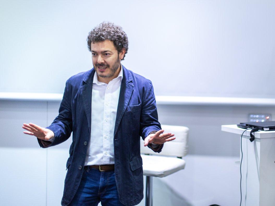 Miguel Ángel Díez durante un seminario Startups para periodistas.