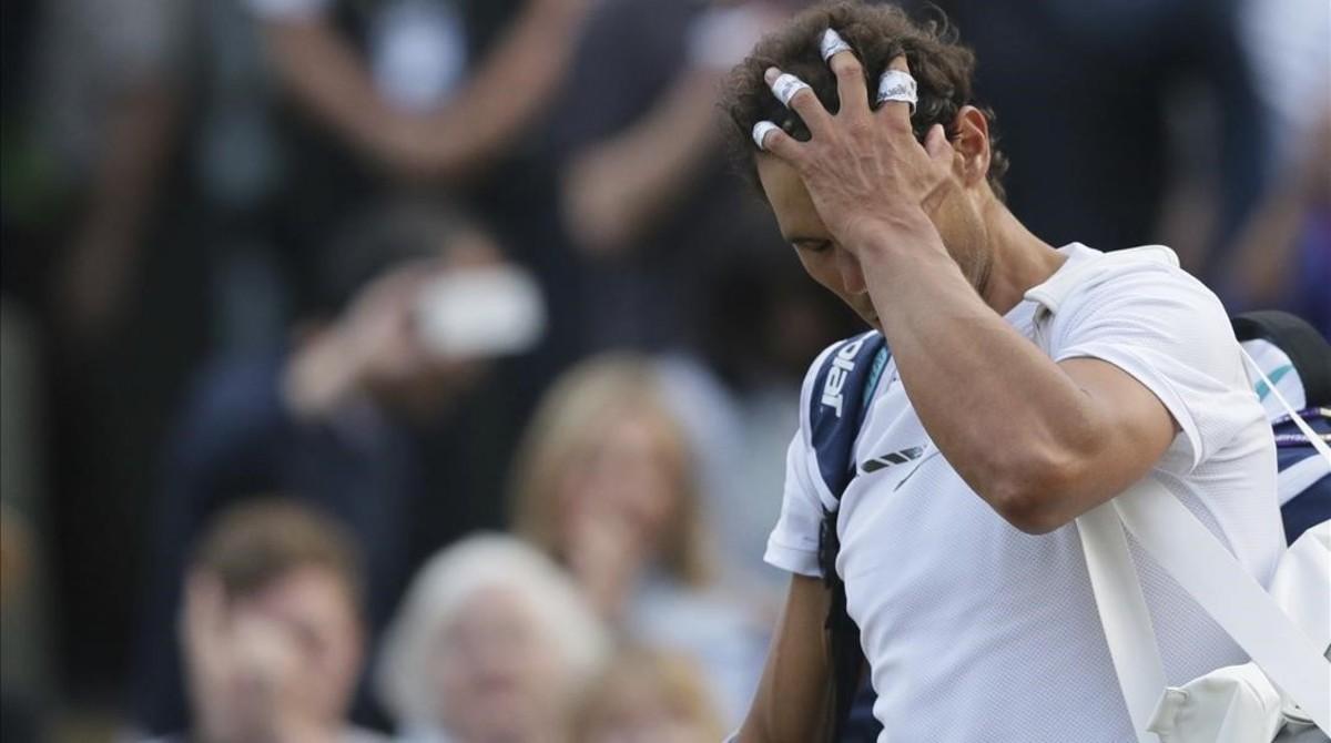 Nadal se retira apesadumbrado tras perder en octavos de final.
