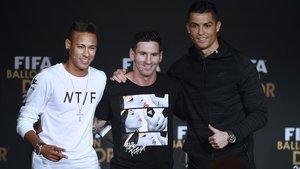 Neymar, Messi y Cristiano Ronaldo, en la gala de la FIFA del 2015.