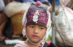 Niña birmana.