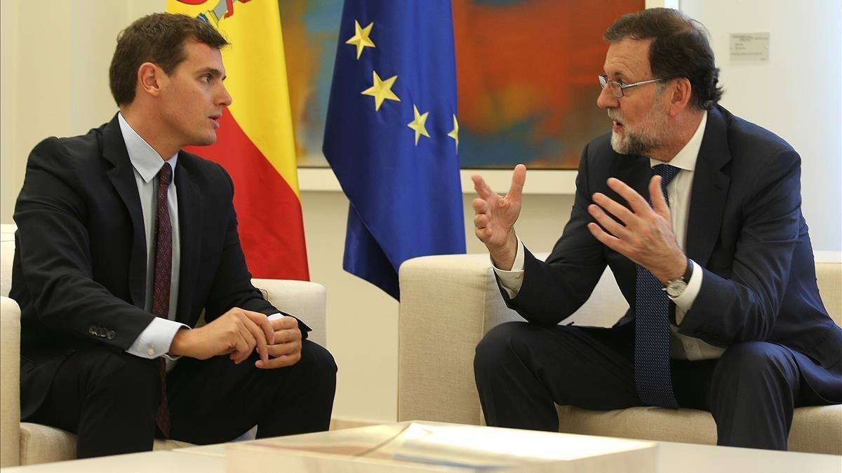 El presidente de Ciudadanos, Albert Rivera, con el jefe del Gobierno, Mariano Rajoy, en una imagen del pasado septiembre.