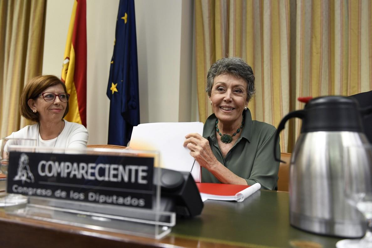 La administradora provisional única de RTVE, Rosa María Mateo, durante su comparecencia en la Comisión.