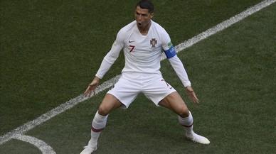 Un cabezazo de Cristiano impulsa a Portugal ante un notable Marruecos