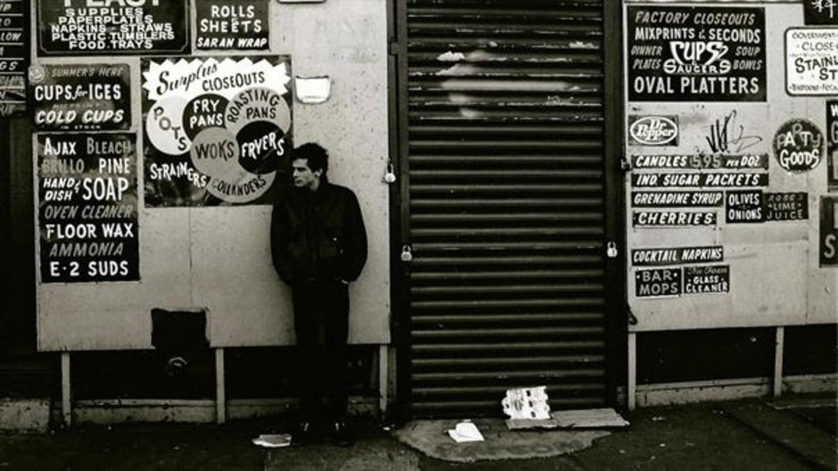El cineasta Howard Brookner, en la calle Bowery, al sur de Manhattan.