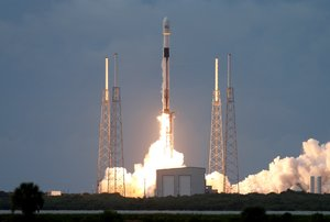 Falcon 9 despegó desde la plataforma del Complejo de Lanzamiento 40 de la base floridana.