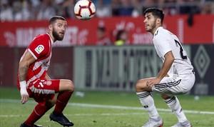 Timor y Asensio, en el Girona-Madrid de la segunda jornada de Liga.