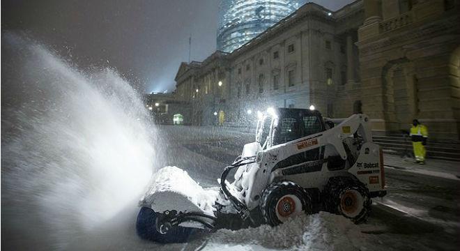 La feroz tormenta de nieve paraliza la costa este de EEUU