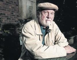 Una imagen del escritor de ciencia ficción y terror norteamericano Richard Matheson