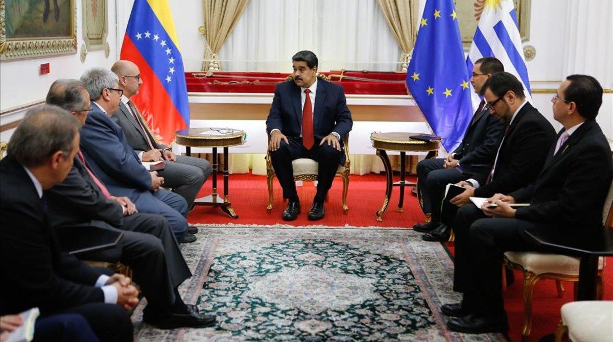 Nicolás Maduro, reunido con el Grupo Internacional de Contacto (GIC), el jueves en el palacio de Miraflores, Caracas.