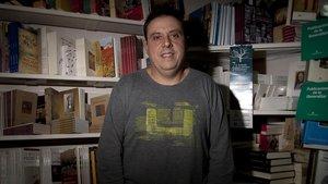 Octavio Serret, en la Librería Serret, en el 2012.