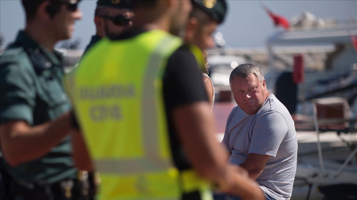 Uno de los detenidos por la Guardia Civil en Marbella.