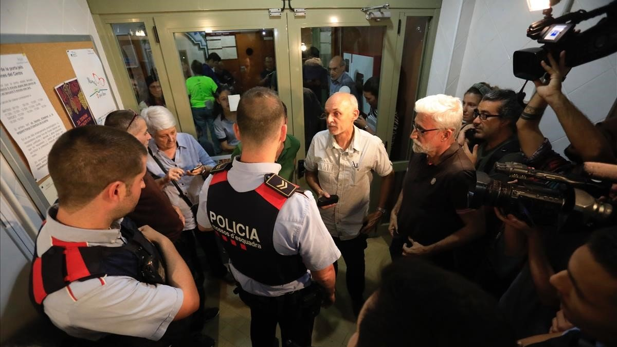 Una jutge del Vendrell arxiva la causa per l'1-O contra més de 30 mossos