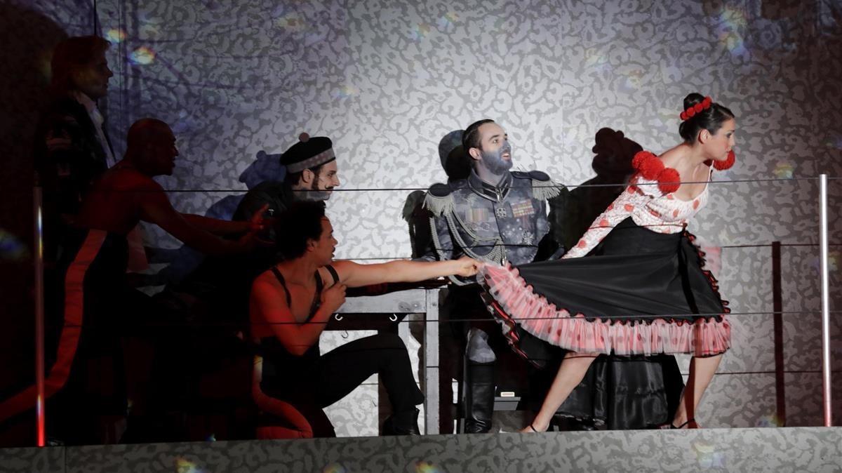 Una escena de la producción deDie soldaten, de Zimmermann, dirigida por Carlus Padrissa, en Colonia.