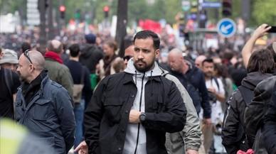 La violència d'un col·laborador col·loca Macron en una situació crítica