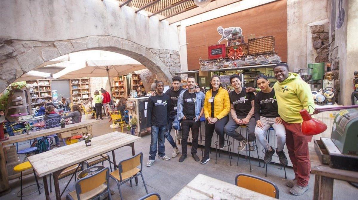 Equipo humano del Espai Mescladís el pasado mes de marzo.