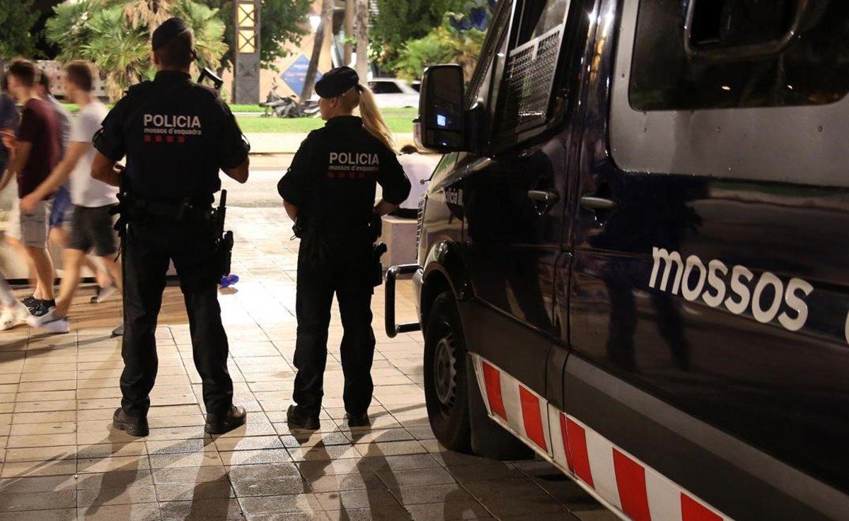 Cinc detinguts per quatre robatoris a Mataró
