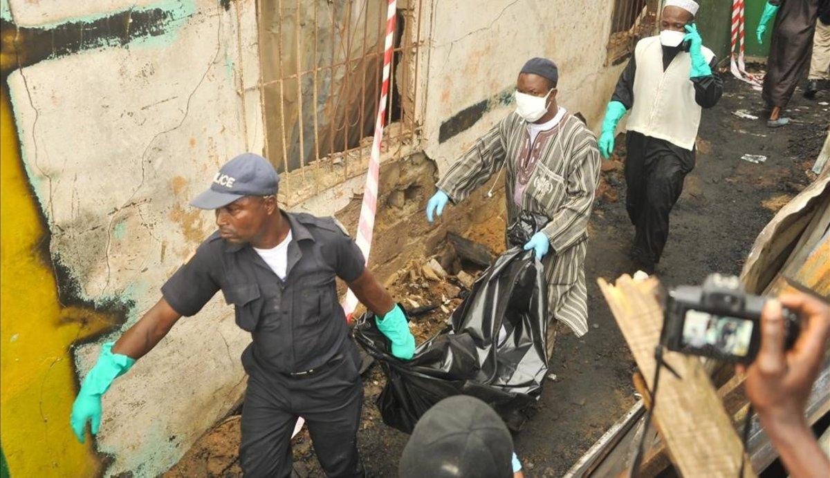 Almenys 27 nens moren en un incendi en una escola de Libèria