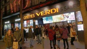Puerta de entrada a los Cines Verdi, el viernes pasado.