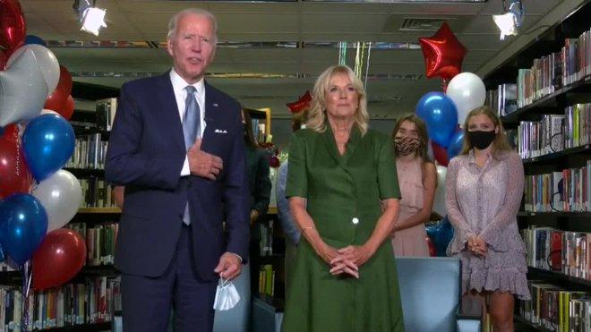 Els demòcrates nominen oficialment Biden en una jornada amb regust de passat