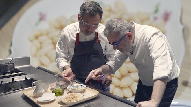 La recepta «fàcil i sana» de mongetes amb cloïsses d'Albert Raurich (amb pistes d'alta cuina)
