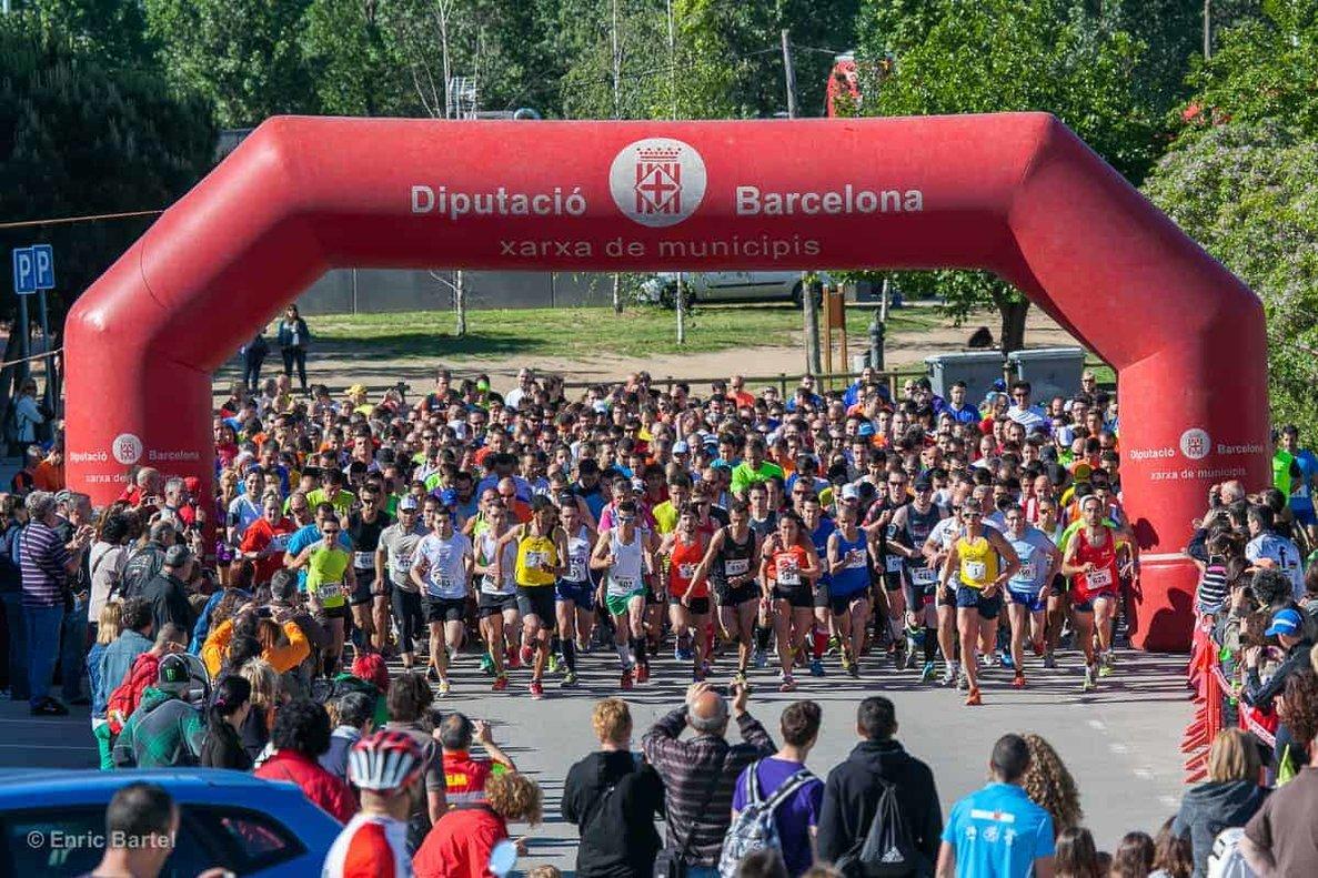 Escalfant motors per a la cursa popular de Parets del Vallès 2019