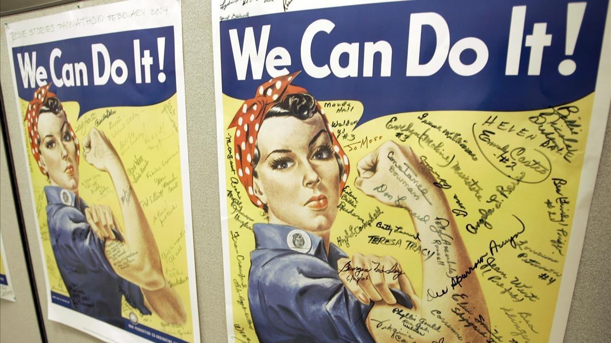 Poster firmado de las antiguas Rosies en las oficinas del Rosie the Riveter World War II Home Front National Historic Park, en Richmond, California.