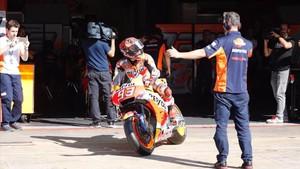 Marc Márquez saliendo a la pista en el Circuit este miércoles.