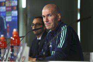 El técnico del Madrid, Zinedine Zidane, este martes en rueda de prensa.
