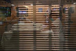 """""""Inversión y no más recortes son claves para retener a médicos y enfermeros"""""""