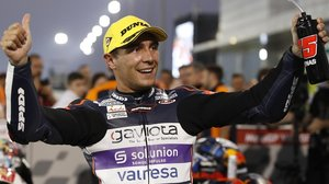 Albert Arenas (KTM), ganador de la primera carrera del año, Moto3, en Qatar.