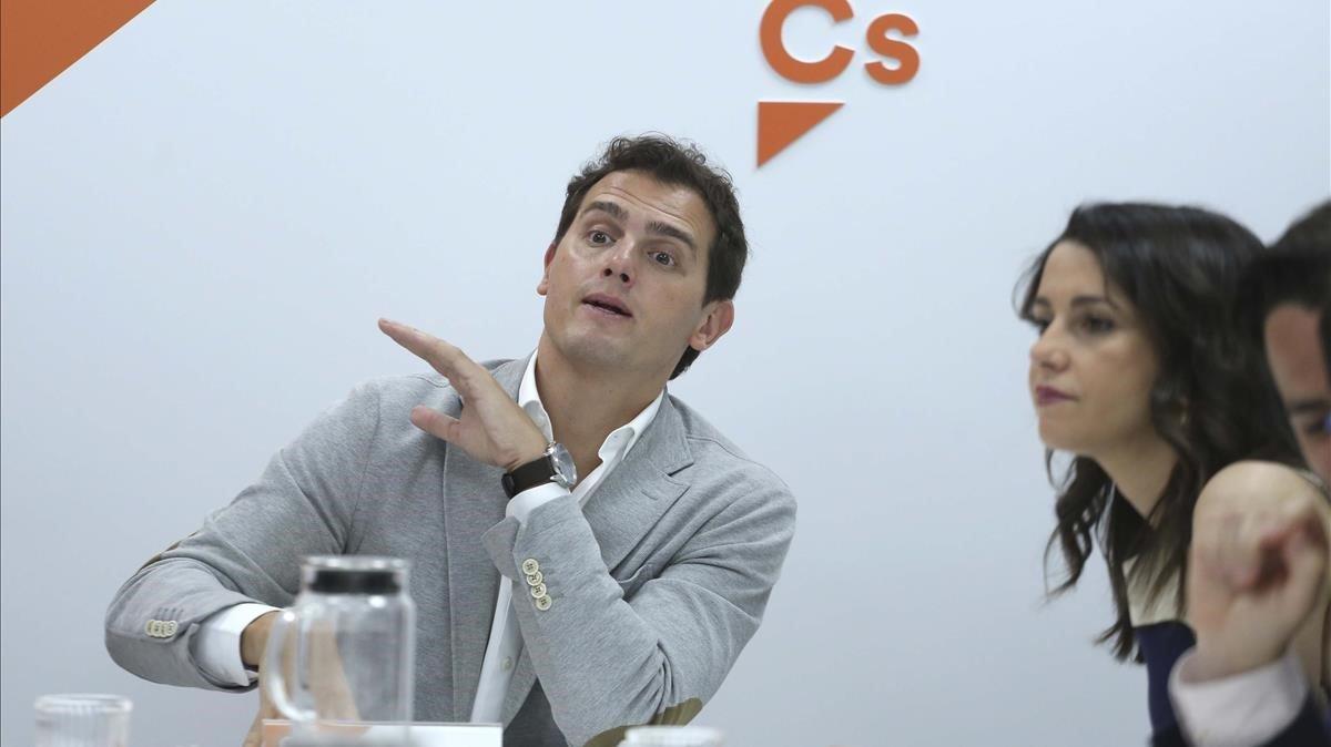 Albert Rivera e Ines Arrimadas en la reunión permanente de Ciudadanos.