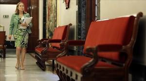 Ana Pastor se dirige a la reunión de la mesa del Congreso, este lunes.