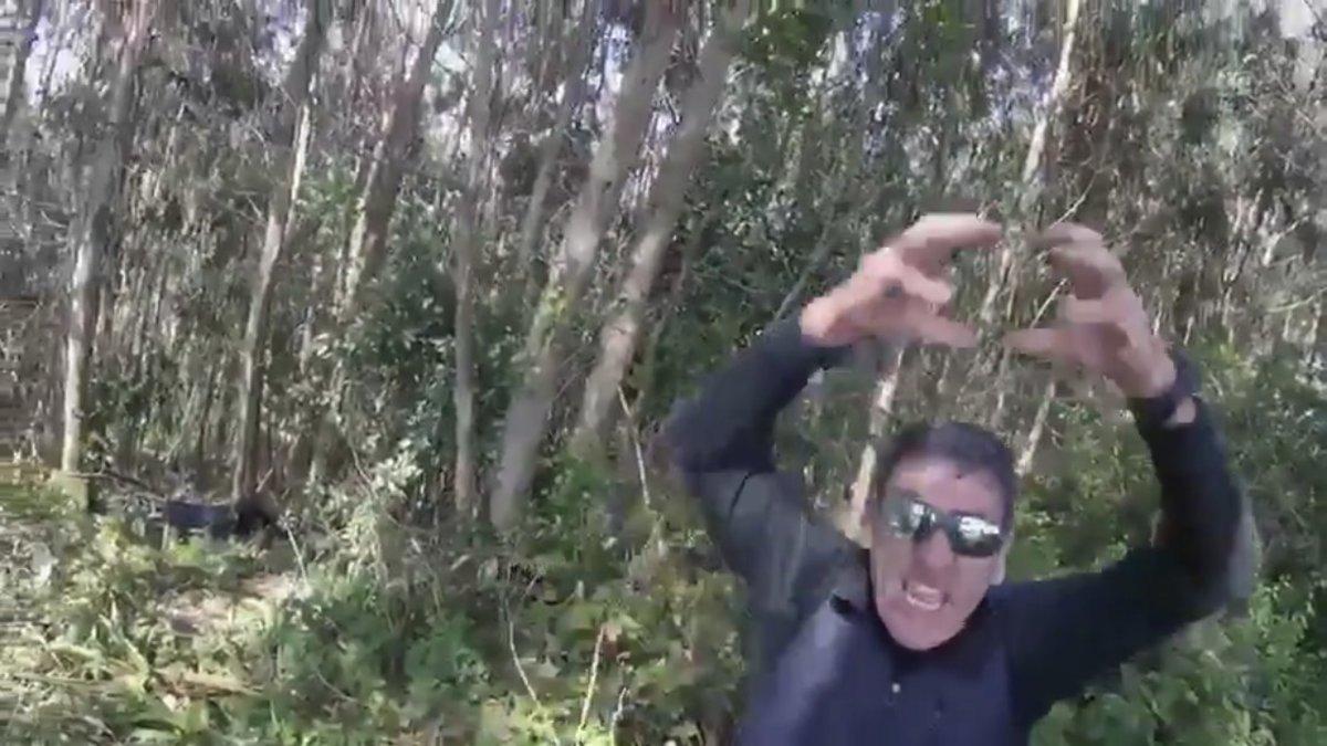 Así se enfada un asturiano: la reacción viral de un hombre al que casi atropellan
