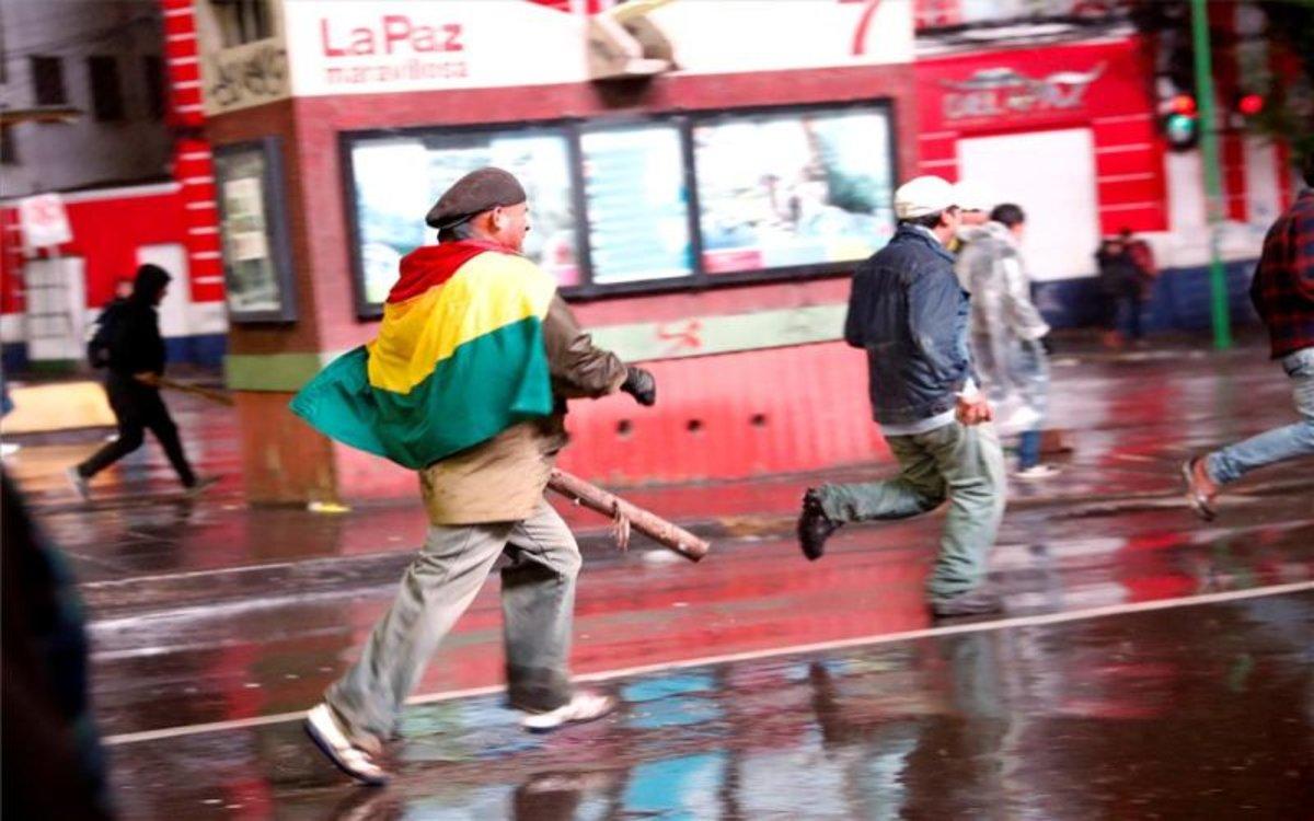 Violencia y saquoes en las calles de Bolivia.