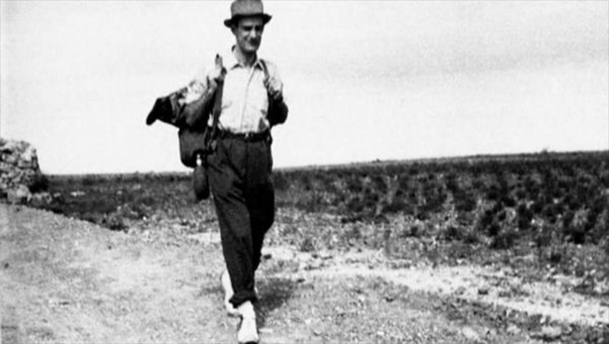 El escritor, durante su primer viaje a La Alcarria.
